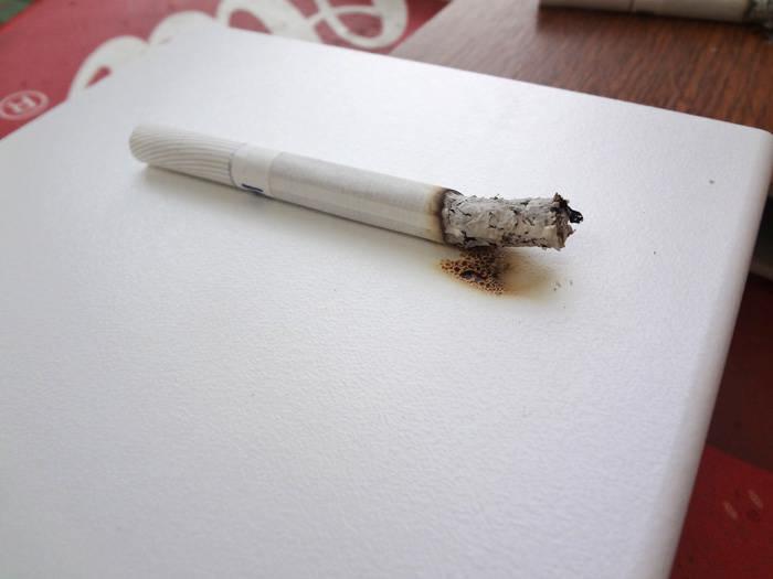 Подоконник Werzalit сигаретный тест