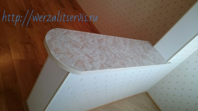Оконный блок из подоконника Верзалит цвет светлый мрамор